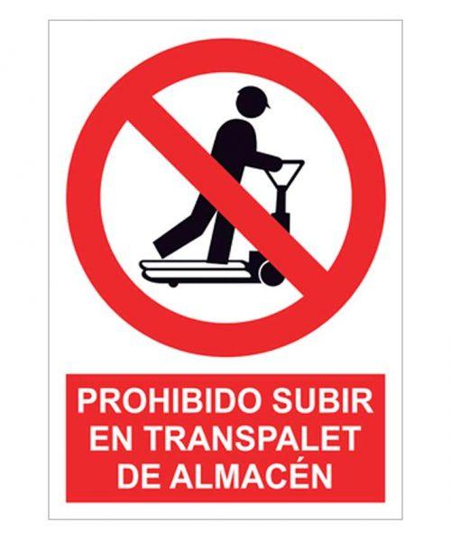 Prohibido subir en transpalet de almacén