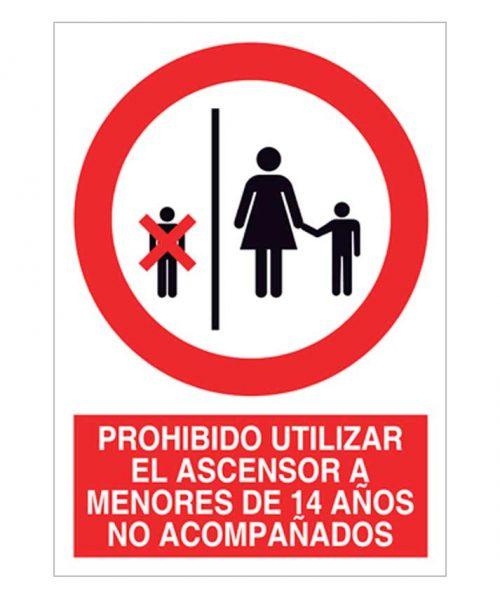 Prohibido utilizar el ascensor a menores