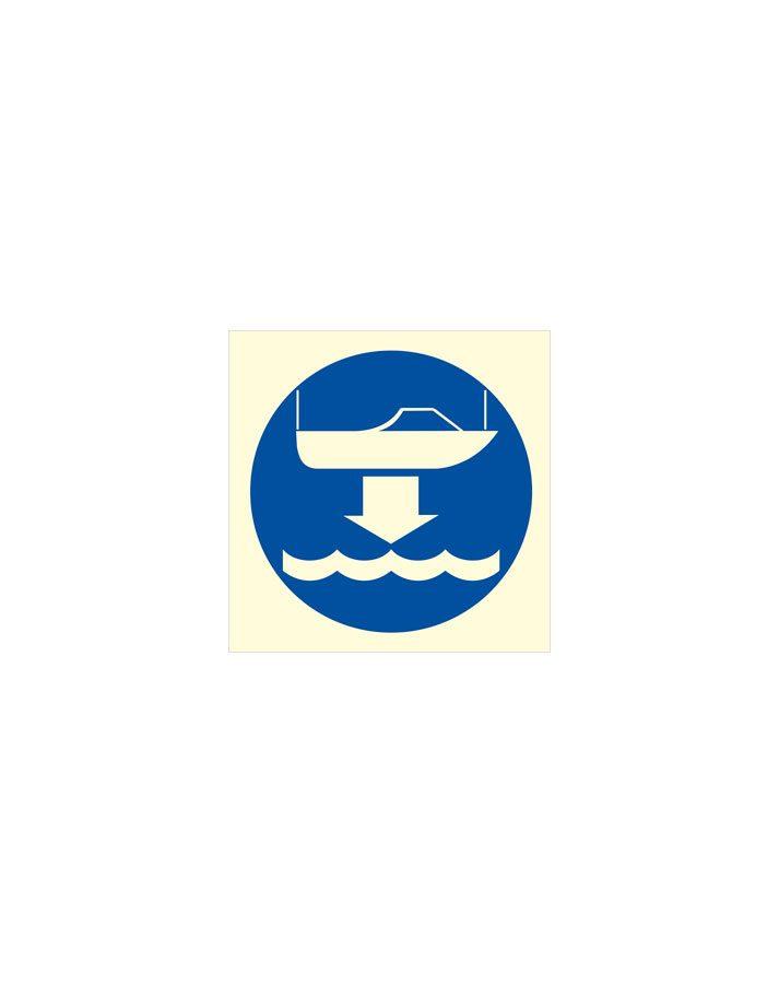 Arríen bote de rescate